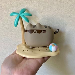 Pusheen Box Exclusive Vinyl: Island Scene